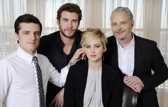 Updated Photos Catching Fire Cast And Director Francis Lawrence