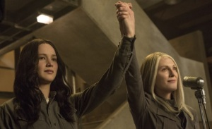 Jennifer Lawrence and Julianne Moore in new Mockingjay Part 1 stills