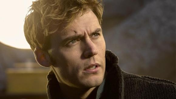 The-Hunger-Games-Mockingjay-Finnick-Sam-Claflin