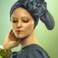 PHOTO: Elizabeth Banks as Effie Trinket in new portrait from 'Photographs From The Hunger Games'