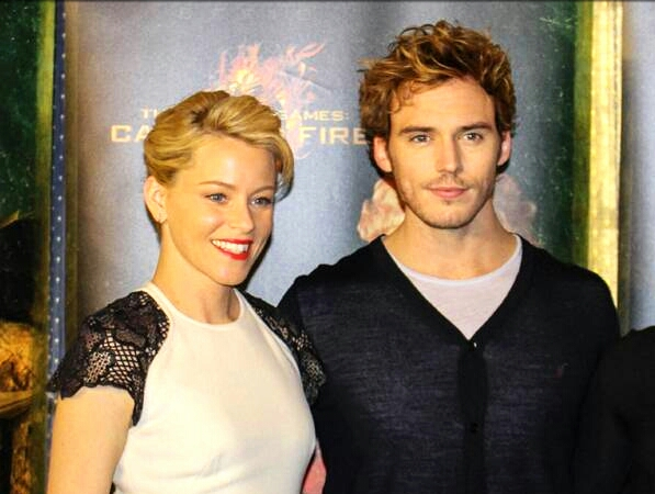 Elizabeth Banks - Sam Claflin - Catching Fire